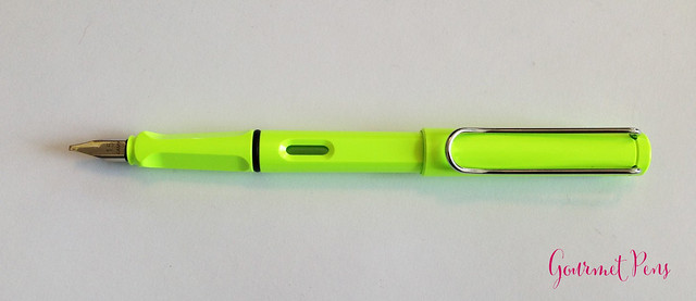 Review Lamy Safari LE 2015 Neon Lime Fountain Pen @Fontoplum0 @Lamy @LamyUSA (6)