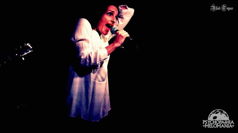 Patricia Andrade (Sinistro)
