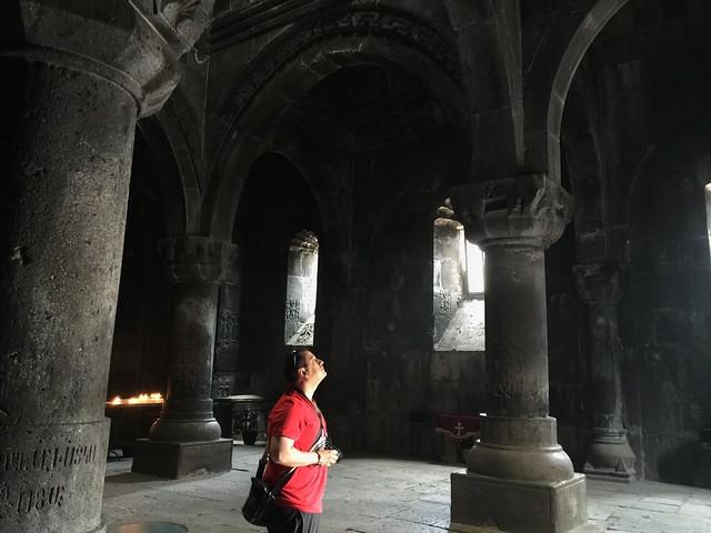 Sele en una iglesia de Armenia