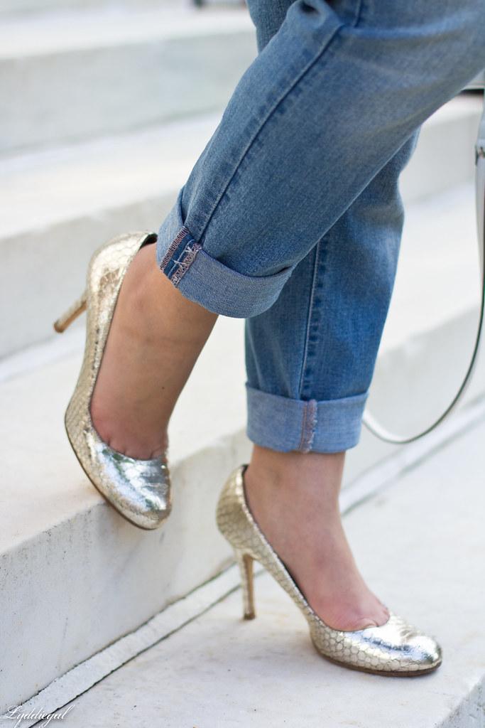 creme de la creme sweatshirt, boyfriend jeans, silver pumps-9.jpg