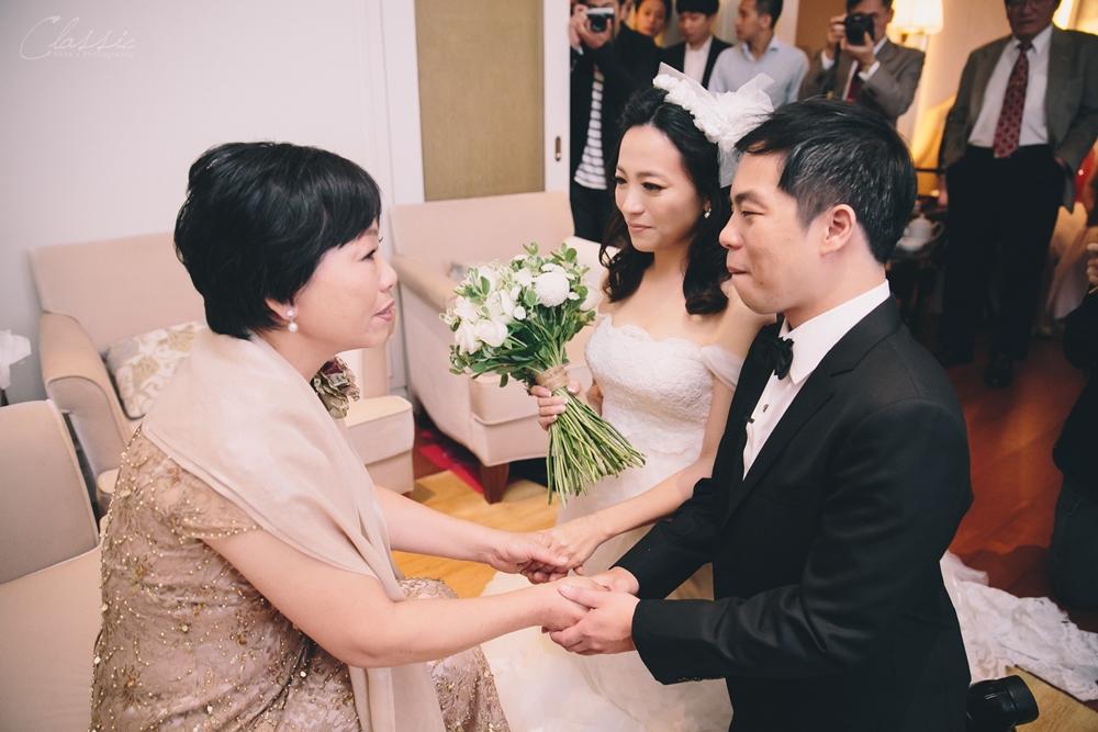 女攝影師婚禮拍攝