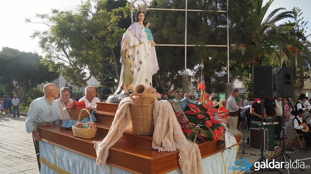 Ofrenda a Nuestra Señora de los Desamparados - Barrial 2016