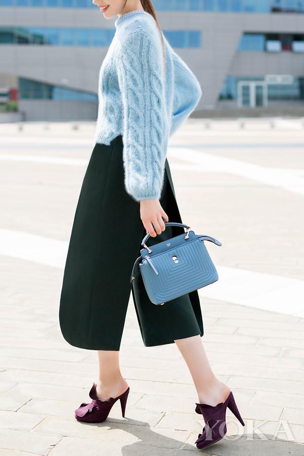 Fendi Dotcom Click series handbag