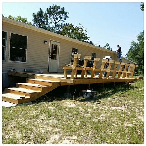 Today, That Poor Man is building a deck, and That Nice Installation Man brought me the Internet. Oh happy day! #moving