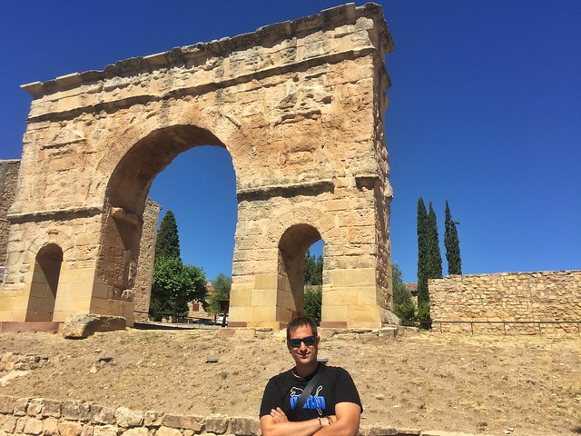 Sele en Medinaceli (delante del arco romano)