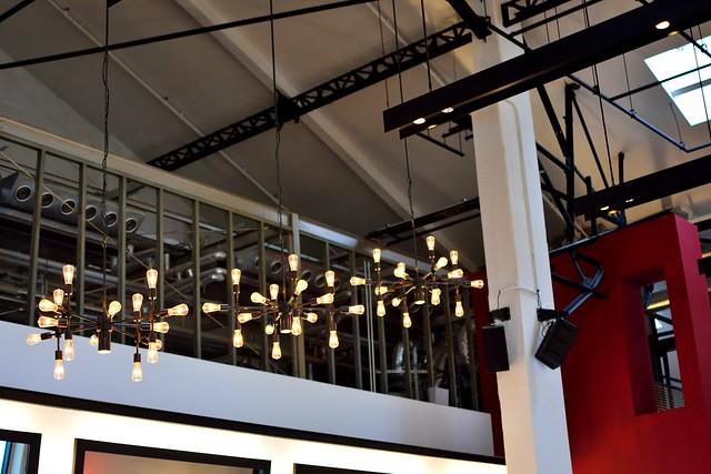 天王洲_t.y.harbor室内の照明の写真