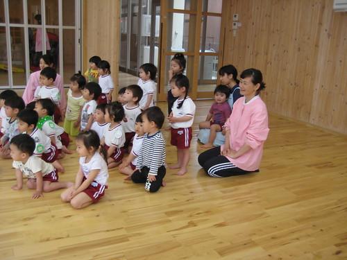 ひばり組(2歳児) 遊び