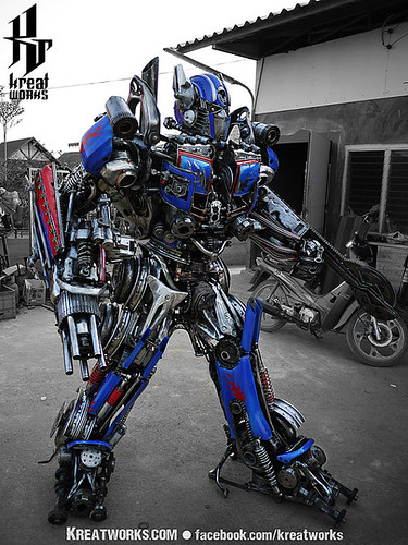 Dieselpunk recycled metal statues by Kreatworks - Transformers Optimus Prime