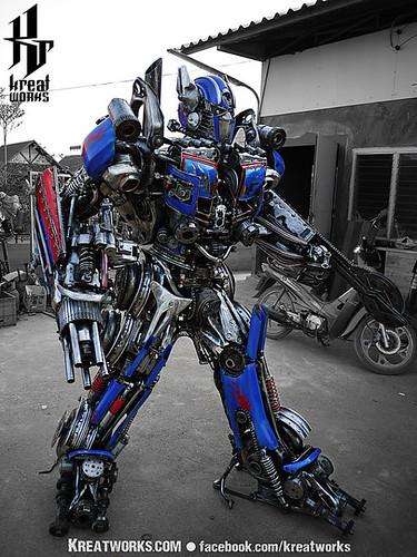 Dieselpunk recycled metal statues by Kreatworks - Transformers Optimus Prime