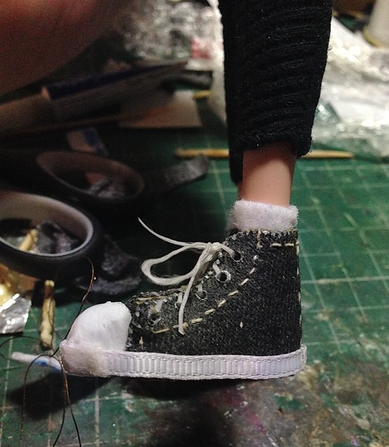 1/6th scale Converses