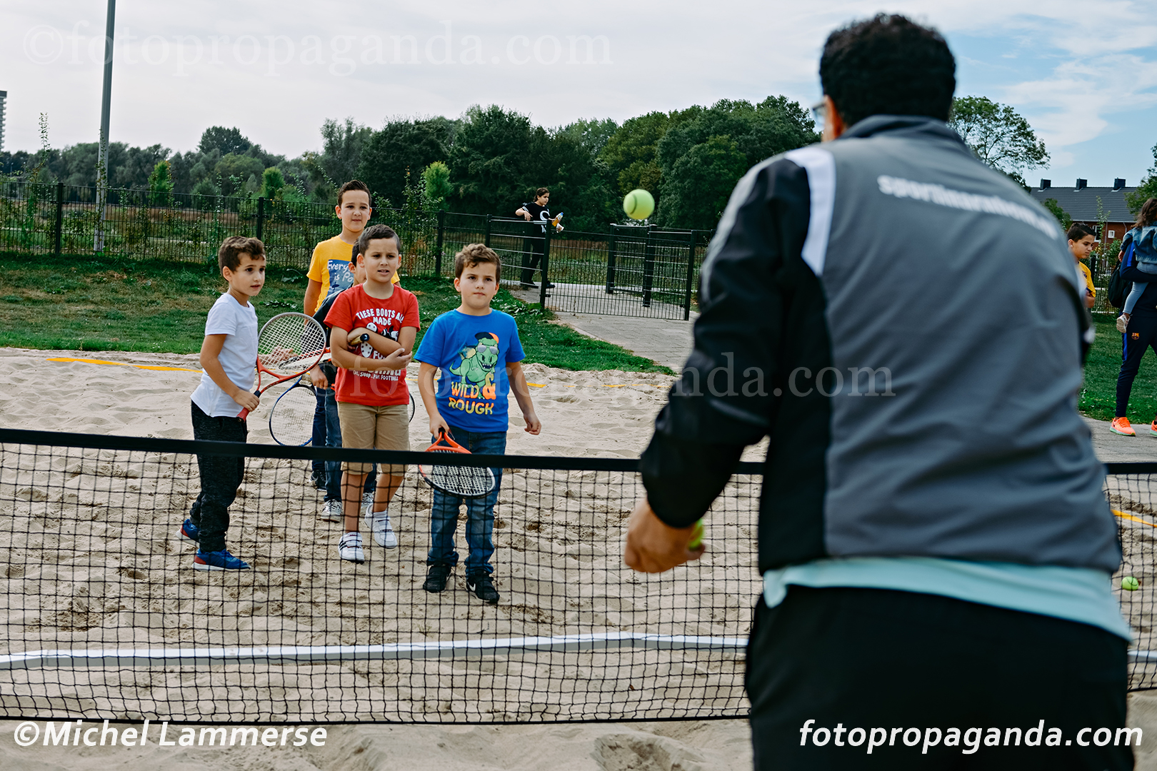 tennis spelen