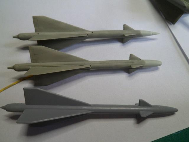 Pas-à-pas : MiG 25 Foxbat [Condor 1/72] - Page 3 27308993483_b570581090_o