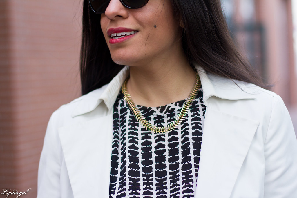 white jeans, white blazer, black and white blouse-5.jpg