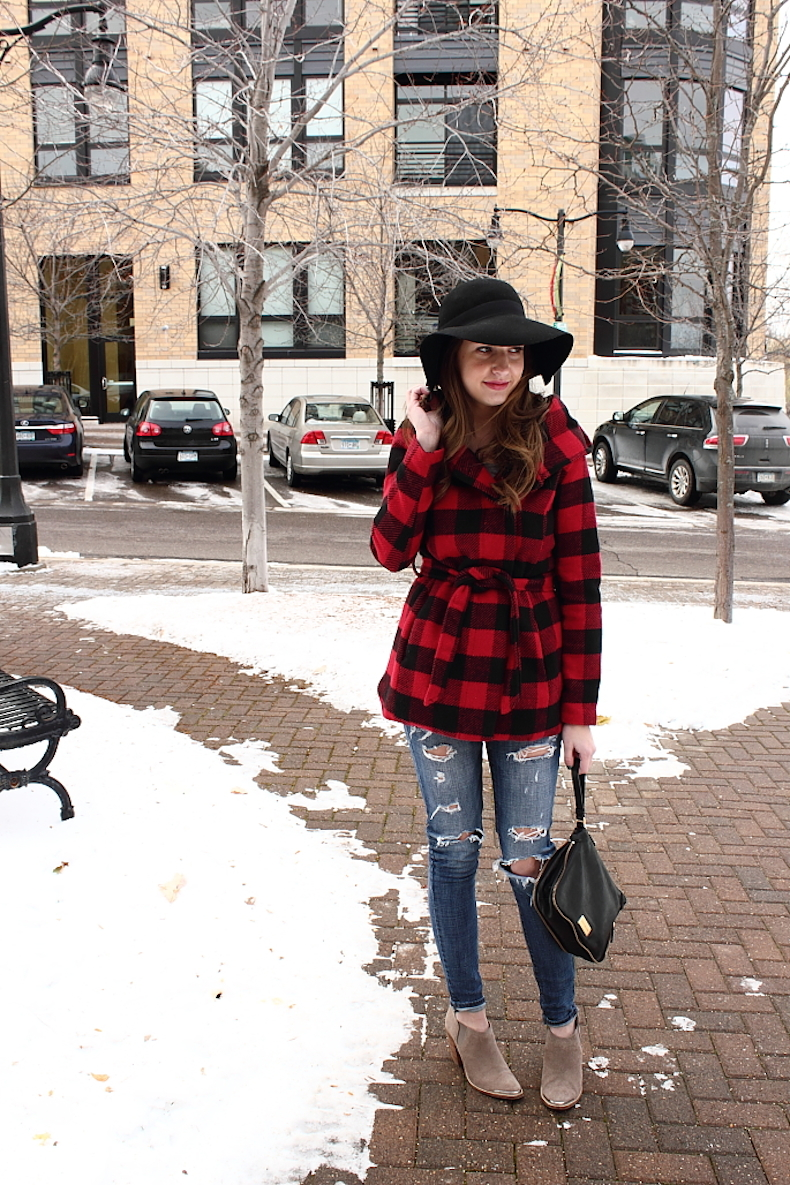 floppy-hat-outfit-ideas