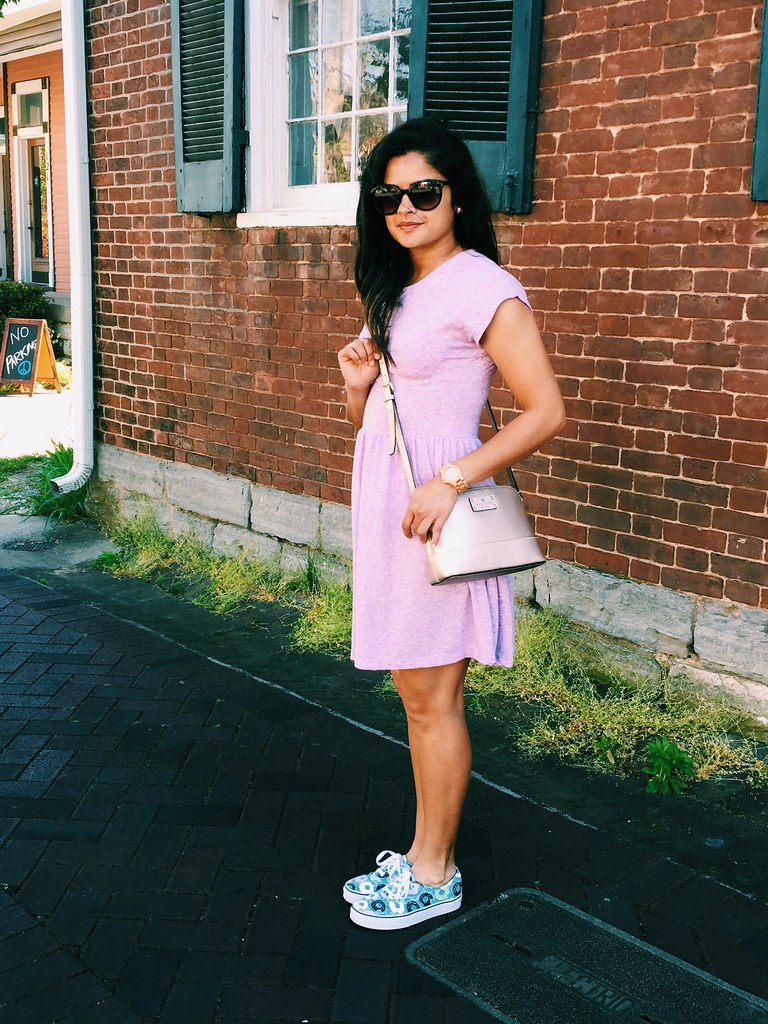 Summer outfit with knit dress and Vans