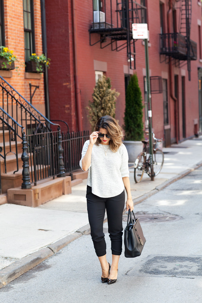 3 tips on getting dressed faster in the morning working women banana republic black slack what to wear to work professional blogger jcrew karen walker sunglasses fendi 2jour corporate catwalk dvf bethany heels black professional heels work wear