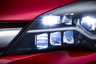 Opel IntelliLux LED-Matrix-Licht