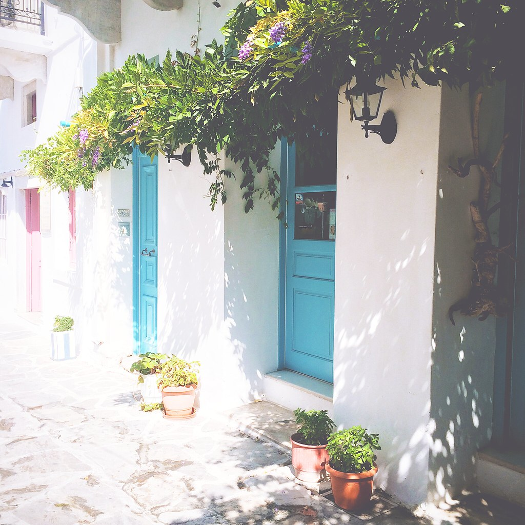 Cute streets of Naxos, Greece | via It's Travel O'Clock