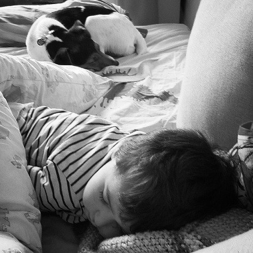 Dure journée chez Papy et Mamie ;)