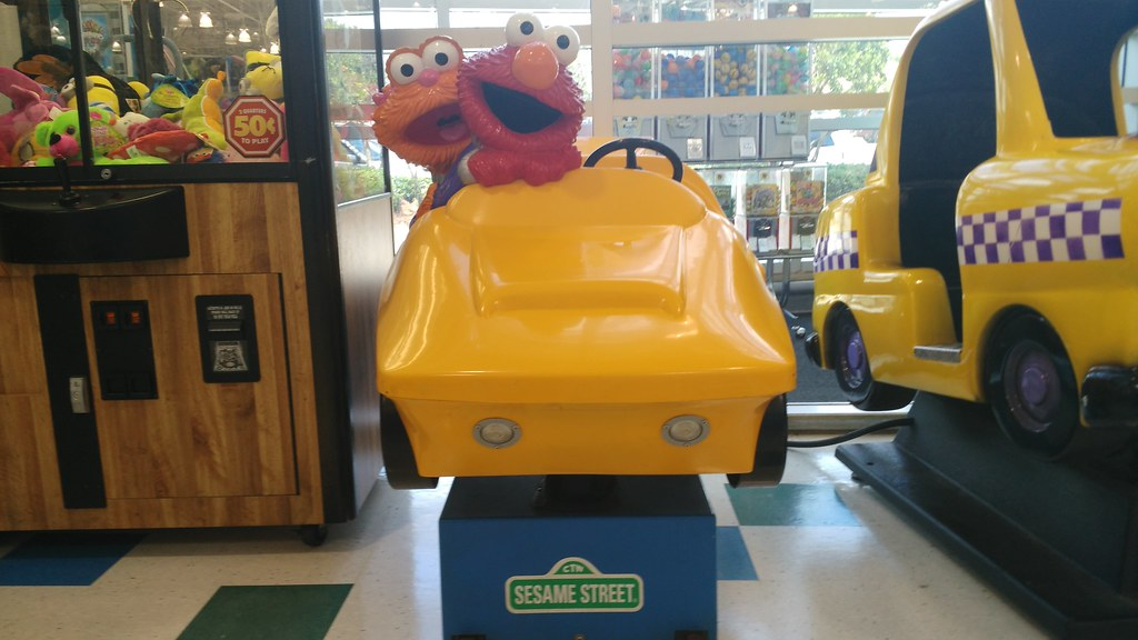 Elmo And Zoe Race Car Kiddie Ride Conversus W Vans