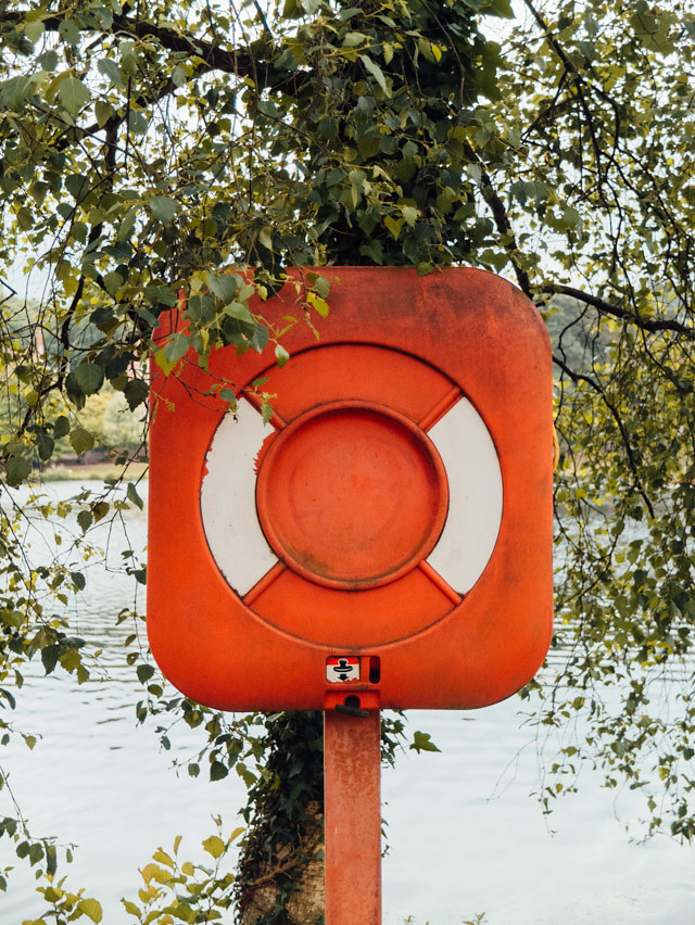 buoy at roath park