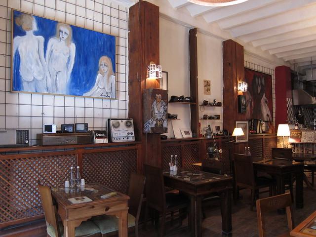 Kirit Cafe_seats