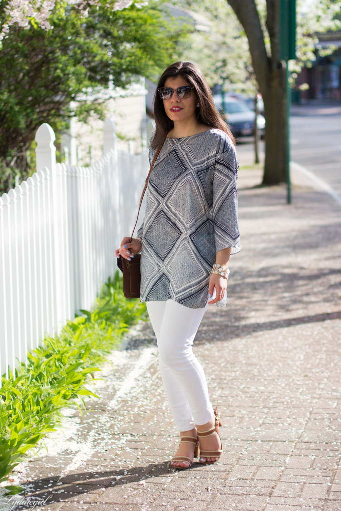 blue and white printed tunic, white jeans.jpg
