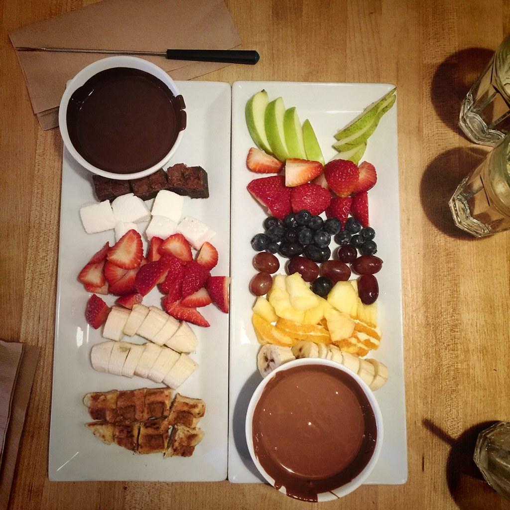 fondue au chocolat chez juliette et chocolat stephane. Black Bedroom Furniture Sets. Home Design Ideas