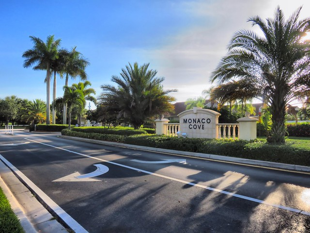 Monaco Cove gate HDR 20150601