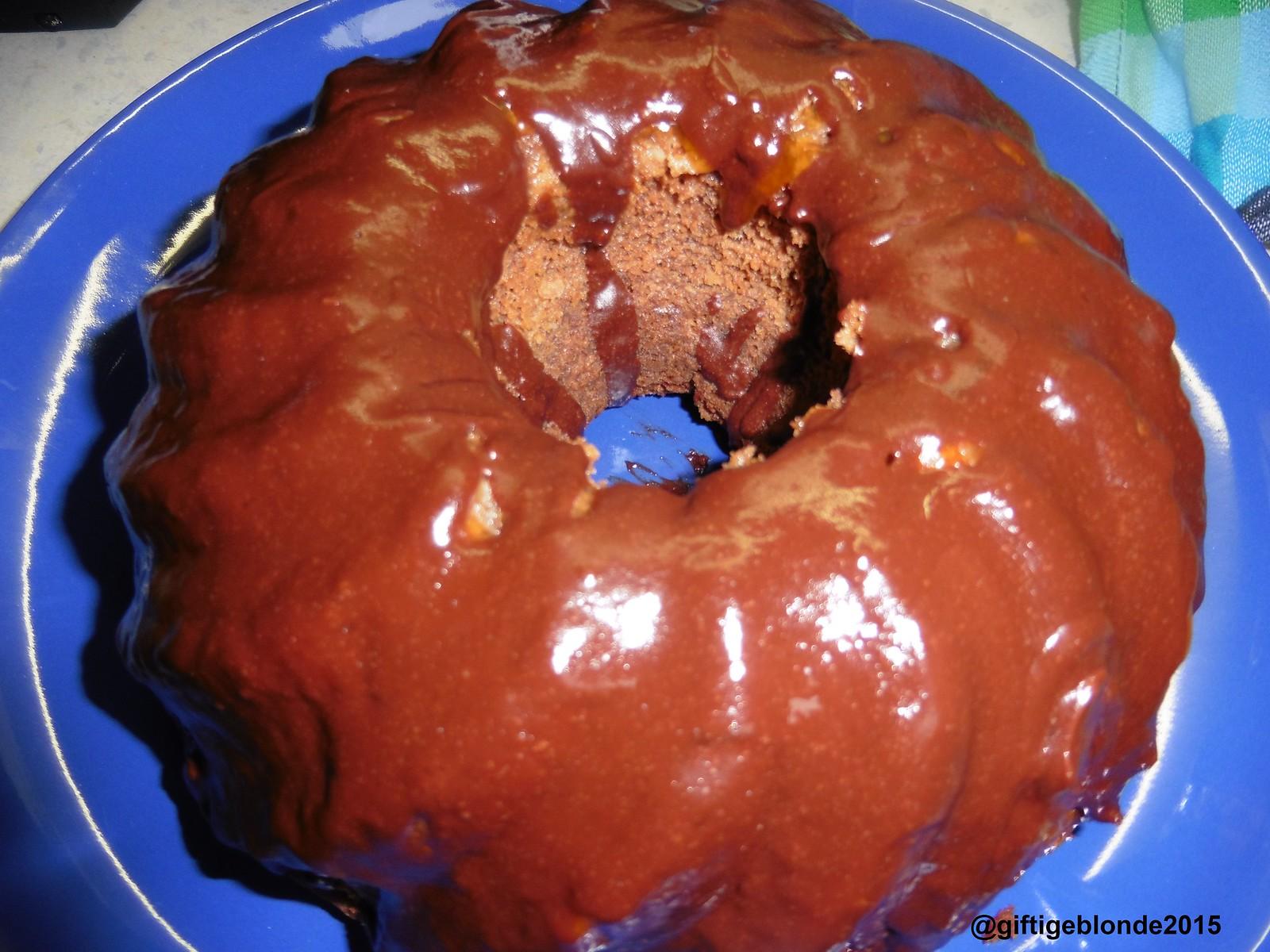 Walnuss-Schokoladen Gugelhupf