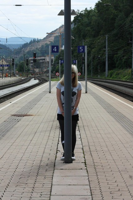 [147/365] Little sister is watching you | Leoben Hbf