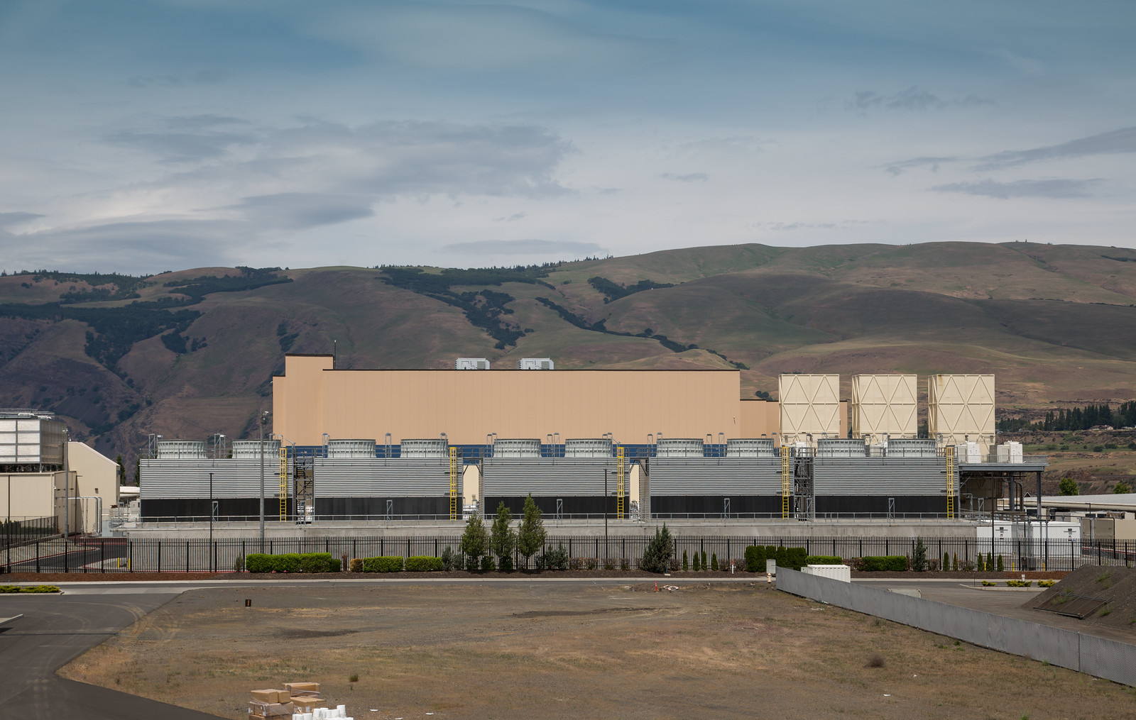 Google Data Center - The Dalles, Oregon | by Tony Webster