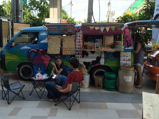 2015-05-01 Food truck BKK (7)
