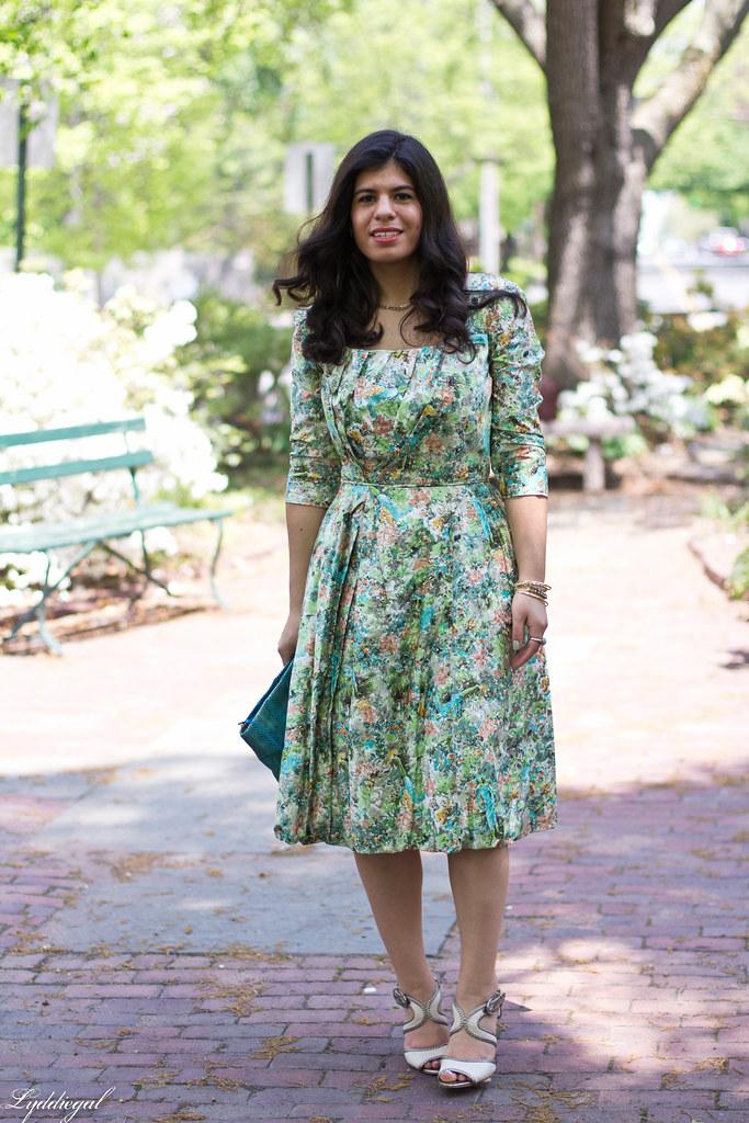 vintage floral dress, turquoise snake skin clutch.jpg