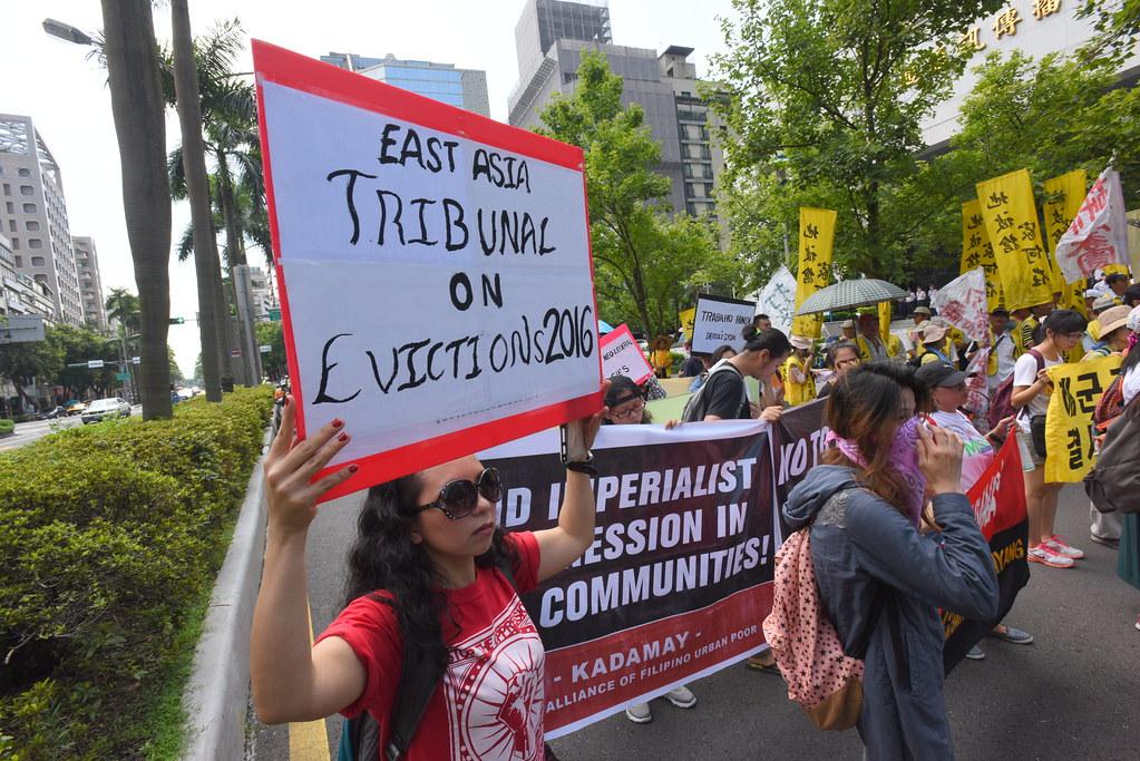 反迫遷者跨國來台共同參與遊行。(攝影:宋小海)