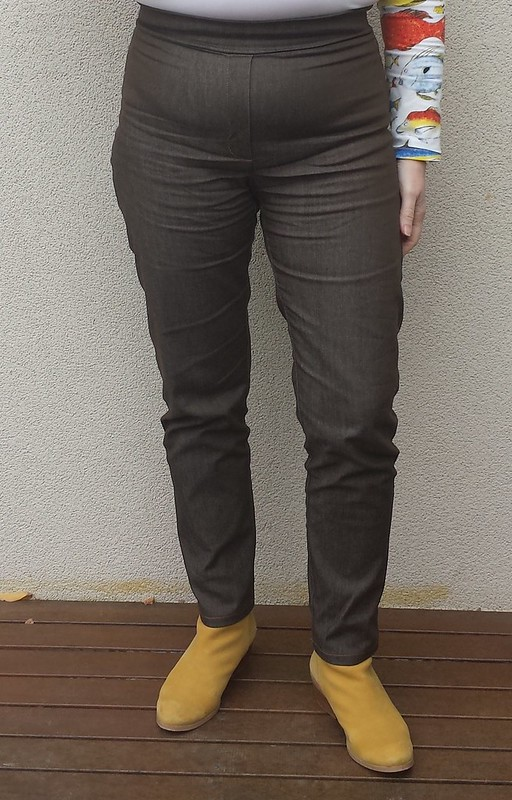Style Arc Misty jeans with Elle waistband in stretch denim from Rathdowne Fabrics