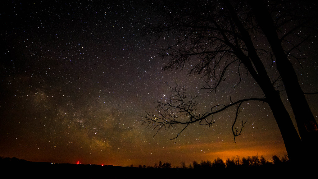 Ryan Part 2 >> Our Milky Way. | This is our galaxy.... The tree branch is a… | Flickr
