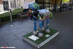 OUT OF THIS WORLD No.22 - Shaun The Sheep - Shaun in the City - London - 150512 - Steven Gray - IMG_0405