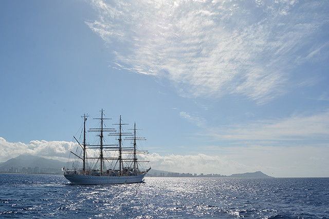 Kaiwo Maru with Diamond Head