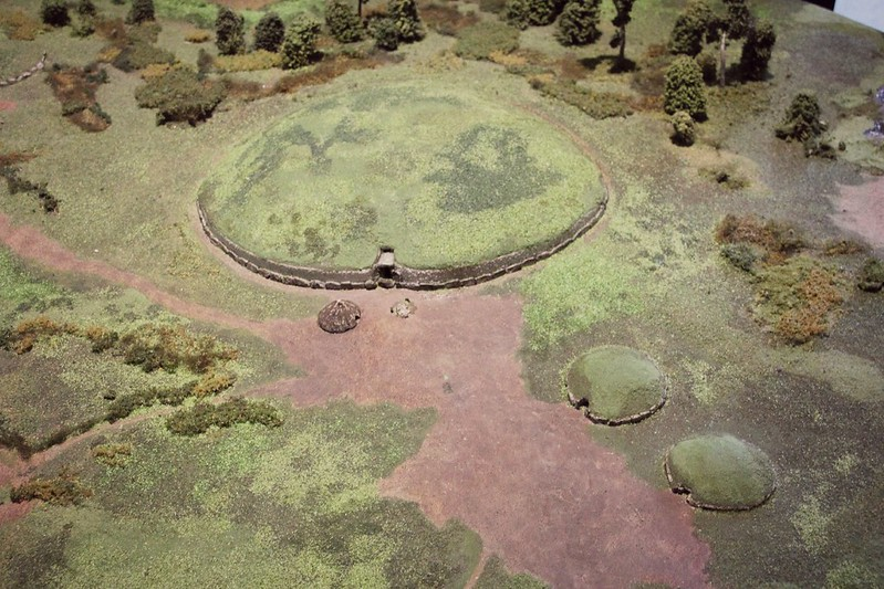 Brú na Bóinne Newgrange pienoismalli