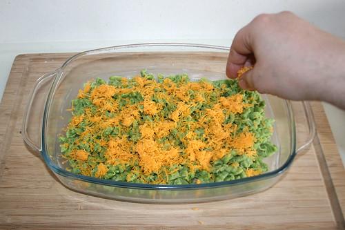 43 - Käse einstreuen / Add cheese