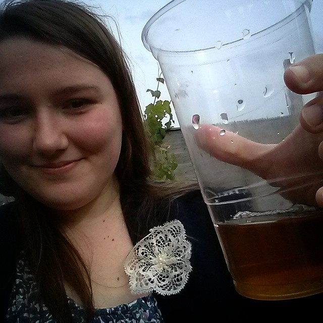 #mmm15 day 30 - Lacey flower brooch at a friend's birthday barbecue with proper cider :-D