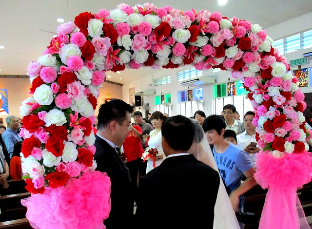 Aaron & Ling Hie's wedding - handing over the bride