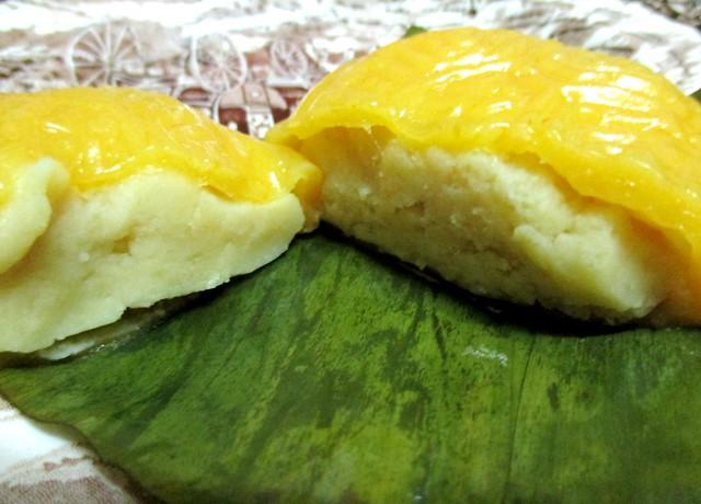 Ang koo kueh, inside