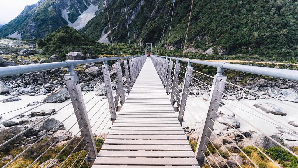 Swing bridge, Hooker Valley Track