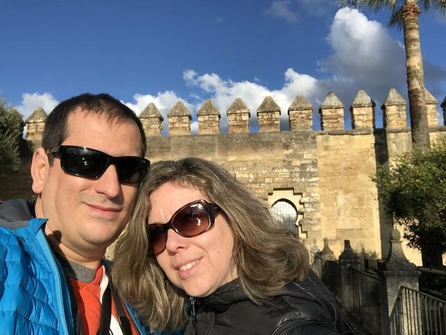 Sele y Rebeca en el Alcázar de los reyes cristianos en Córdoba