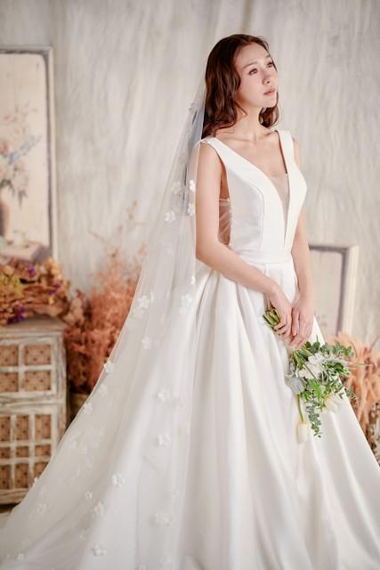 新娘造型,新娘秘書,新秘,新娘頭紗,長頭紗,頭紗,公主頭紗,華麗頭紗,造型頭紗