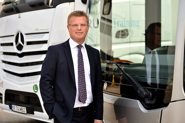 Valeriu Zaharia, Managing Director Divizia Trucks&Buses Mercedes-Benz România