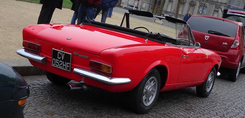 FIAT 124 Spider 1400 / 1972 avant 2 ème restauration  45802066624_93f3b3af9f_c