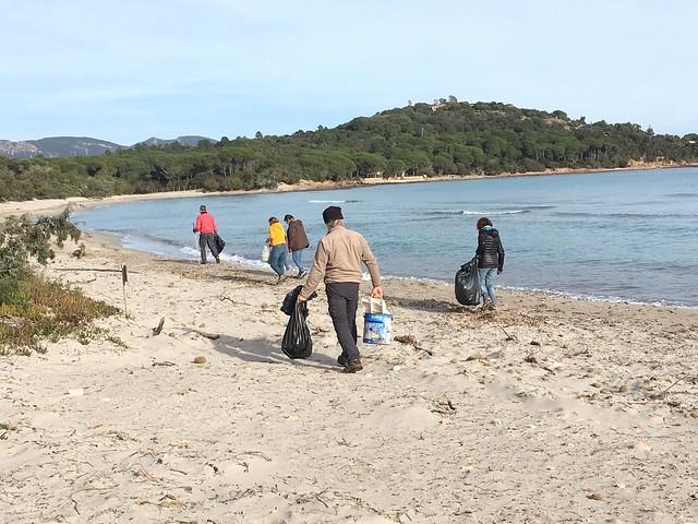 Nettoyage de la plage de Villata